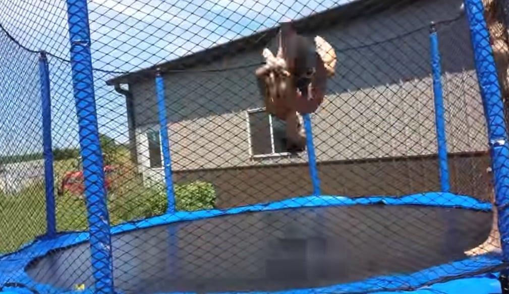 Evoluzioni trampolino elastico - I migliori tappeti elastici e trampolini per divertirsi e rimanere in forma