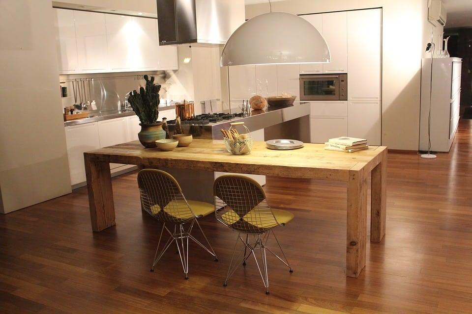 Cucine moderne con isola centrale casina mia for Arredamento gratis milano