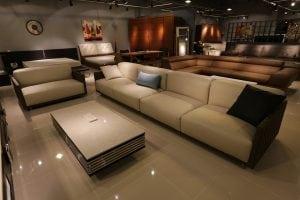 divano lungo Casina Mia 300x200 - Saloni moderni: l'innovazione è di casa