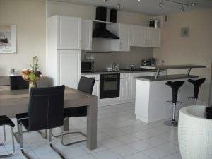 Cucine moderne con isola centrale - Casina Mia