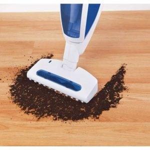 pulire con scop elettrica