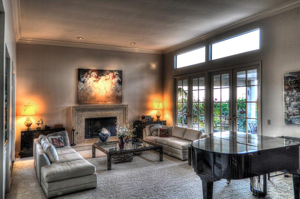 Come arredare un soggiorno casina mia for Pitturazioni moderne