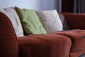 cuscini Casina Mia 300x200 - Come arredare un soggiorno