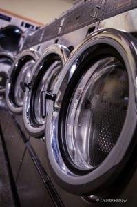 asciugatrici professionali 199x300 - Asciugatrice - La Super Guida: La migliore, a gas, a pompa di calore, le classi energetiche - Le opinioni dei consumatori e molto atro ancora