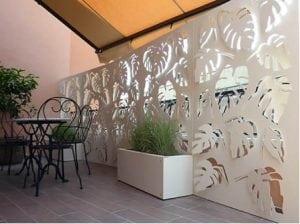 pannello frangivista in PVC bianco 300x224 - Pannelli frangivista in PVC: delimitare il giardino con eleganza