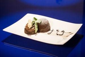 PRESENTAZIONETORTINO 300x200 - Tortino con cuore di cioccolato: una vera delizia per il palato