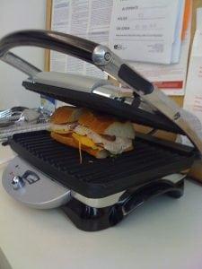 piastra per panini 225x300 - La migliore piastra per panini e toast professionale.  Scopri recensioni e classifica dei prodotti più venduti