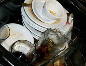piatti sporchi lavastoviglie