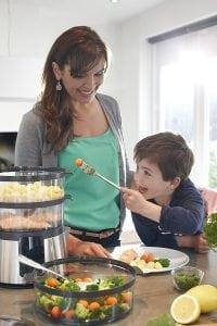cottura vapore in cucina Philiphs 200x300 - Vaporiera elettrica. La recensioni dei nostri esperti sui modelli migliori