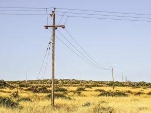Telecom spostamento di cavi pali e infrastrutture di rete - Spostamento cavi telecom dalla facciata di casa ...