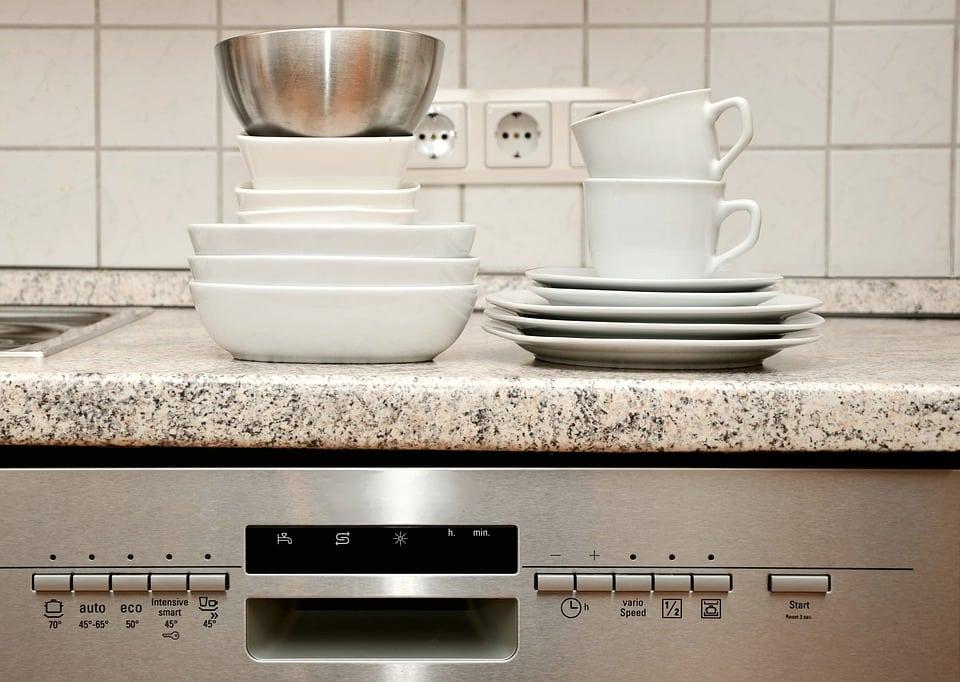 come pulire la lavastoviglie in modo semplice e naturale - casina mia