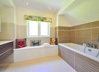 Piastrellare un bagno interno di casa smepool