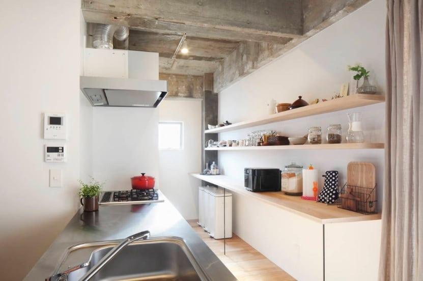 Come arredare una cucina piccola e stretta casina mia for Arredare la cucina piccola