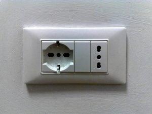 Altezza prese elettriche quale quella giusta casina mia for Altezza prese elettriche