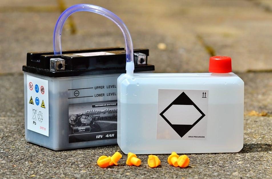 come fare acqua demineralizzata per batteria