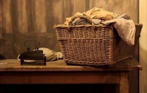 Bucato Sporco di Sudore 300x191 - Come pulire la guarnizione della lavatrice in modo semplice ed efficace
