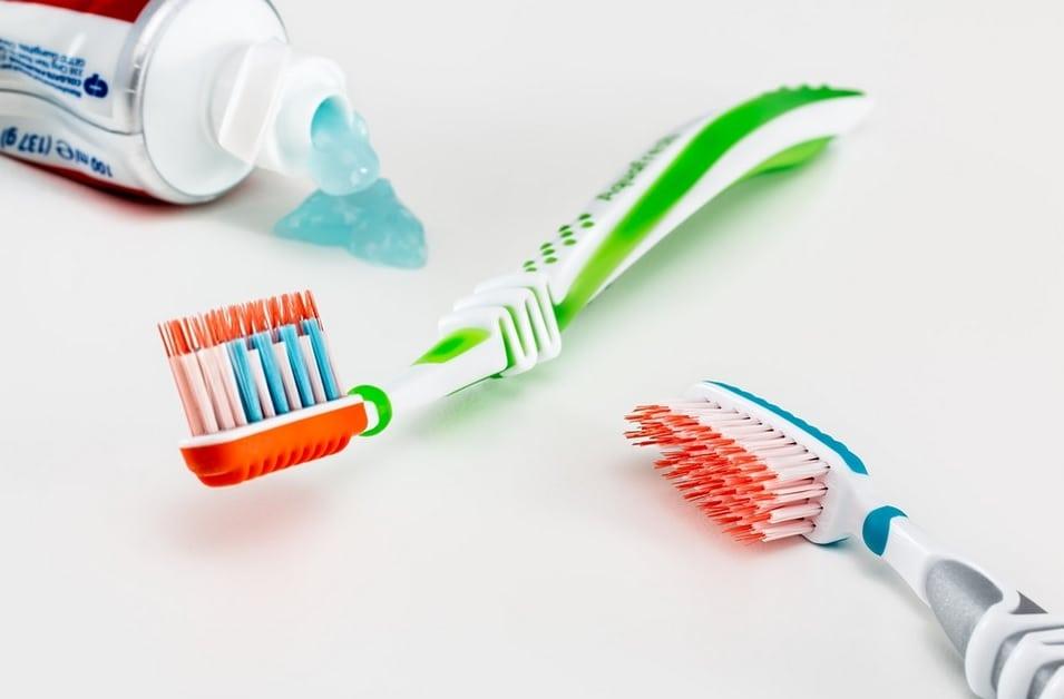 Dentifricio con Spazzolini - Il miglior dentifricio: quale scegliere per un sorriso smagliante?