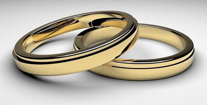 Oro Bianco Ingiallito Rimedi Casalinghi Per Pulizia E Lucidatura