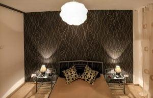 Carta da parati moderna: quale design per la camera da letto ...