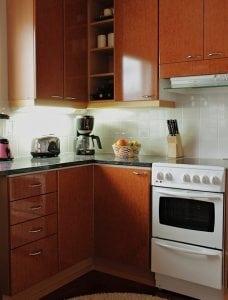 Cucina a Corner 228x300 - Dimensioni cucina: scopri tutte le misure ideali per il tuo spazio confortevole e intelligente