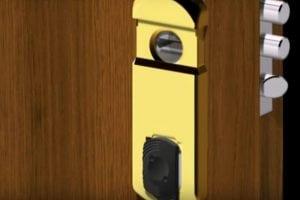 Defender Magnetico Porta Blindata 300x200 - Defender magnetico: l'ultima frontiera della sicurezza domestica