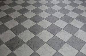 Pavimento in Ceramica 300x197 - Come pulire le fughe delle piastrelle con metodi naturali, semplici ed efficaci