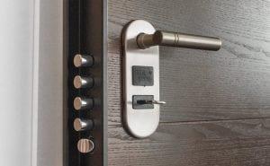 Porta Blindata a 4 Cilindri 300x185 - Defender magnetico: l'ultima frontiera della sicurezza domestica