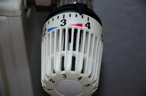 Valvola Termostatica per Casa 300x198 - Le migliori valvole termostatiche per riscaldare risparmiando