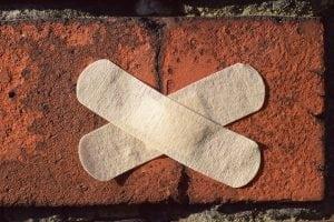 riparare dissesti 300x200 - Riconoscere crepe pericolose nei muri