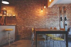 Casa Arredata con Forniture Vintage 300x200 - Come arredare la propria casa in stile industriale: idee e consigli pratici