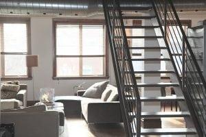 Loft con Arredamento Stile Industriale 300x200 - Come arredare la propria casa in stile industriale: idee e consigli pratici