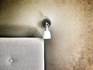 Parete Grezza per Appartamento Design Industriale 300x225 - Come arredare la propria casa in stile industriale: idee e consigli pratici