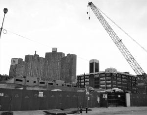 Vecchie Aree Industriali Trasformate in Quartieri Residenziali 300x235 - Come arredare la propria casa in stile industriale: idee e consigli pratici