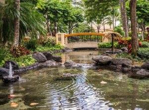 Laghetto da Giardino con Fontana e Giochi di Acqua 300x222 - Le migliori pompe per laghetti, stagni e giardini acquatici: quale tipologia scegliere?