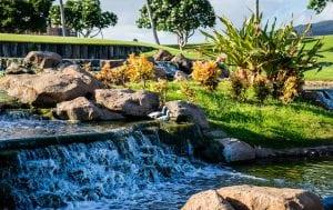 Laghetto da Giardino con Ruscello 300x189 - Le migliori pompe per laghetti, stagni e giardini acquatici: quale tipologia scegliere?