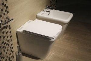 Set sanitari bagno sospesi vaso e bidet in ceramica design moderno