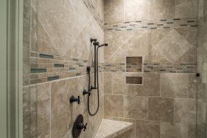 bagno con doccia 300x200 - Bagno moderno: idee e consigli per progettare un bagno unico e personale
