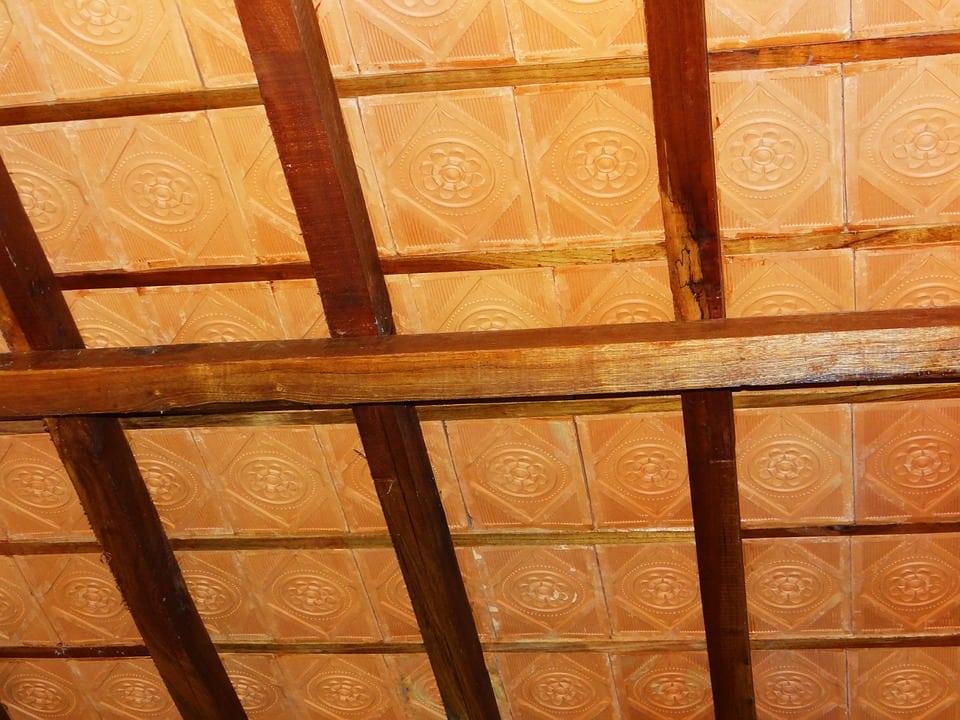 controsoffitto piastrellato - Controsoffitto in legno: dalle norme da rispettare ai principali metodi costruttivi
