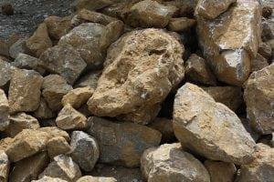 sassi 825793 1280 300x200 - Stabilizzato di cava: cos'è e a cosa serve