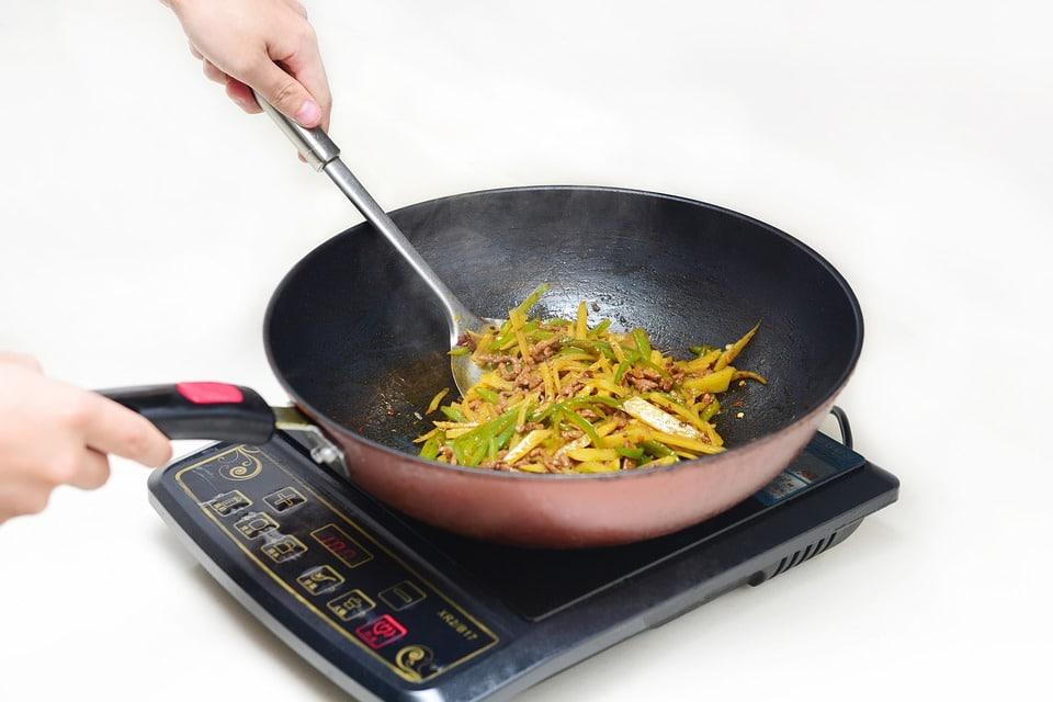 fornello a induzione - Migliore batteria di pentole a induzione per cucinare su questo tipo di fornello