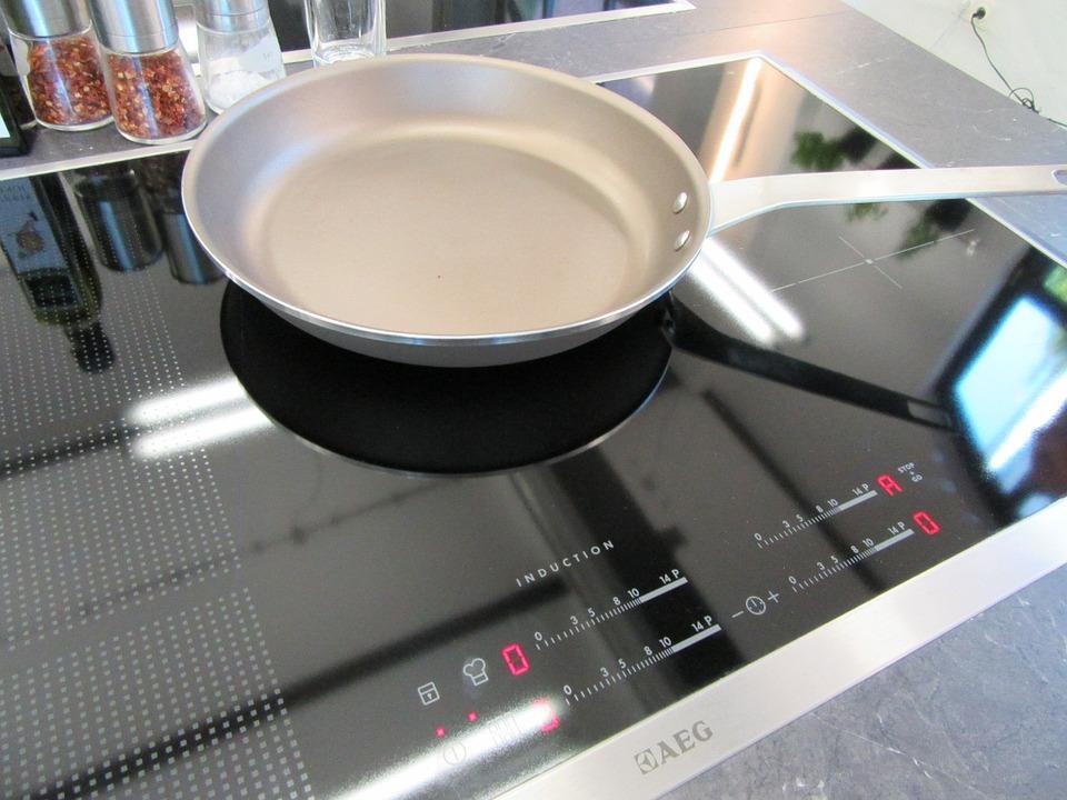 padella a induzione - Migliore batteria di pentole a induzione per cucinare su questo tipo di fornello