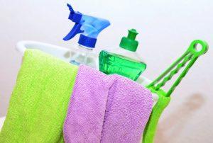 pulizaia del tino 300x202 - Muffa nel materasso: cause e rimedi di questo spiacevole inconveniente