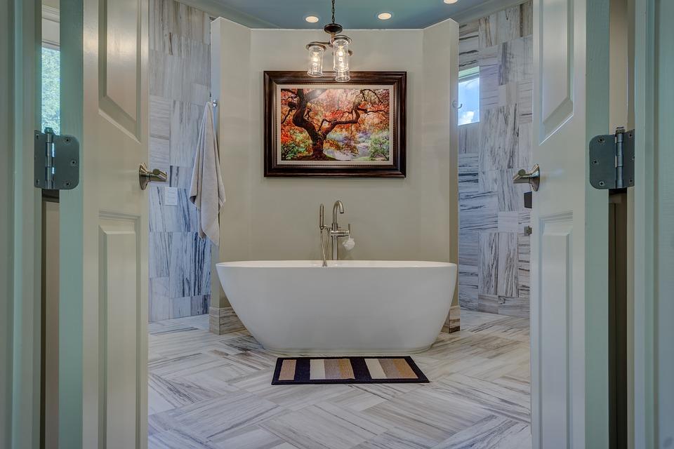 bagno in legno e con vasca  - Bagno moderno: idee e consigli per progettare un bagno unico e personale