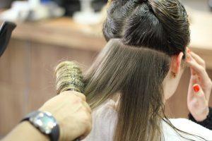 preparare i capelli per utilizzare la piastra 300x200 - La migliore tinta per capelli professionale per un colore naturale e luminoso