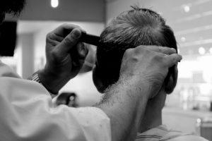 taglio di capelli 300x200 - I migliori integratori per capelli per donare tono e luminosità alla nostra chioma