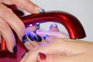 design delle unghie 300x200 - Il Gel monofasico migliore per la cura e la ricostruzione delle unghie