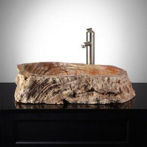 lavandino in legno 300x300 - Bagno rustico: spunti, regole ed idee per realizzarlo al meglio