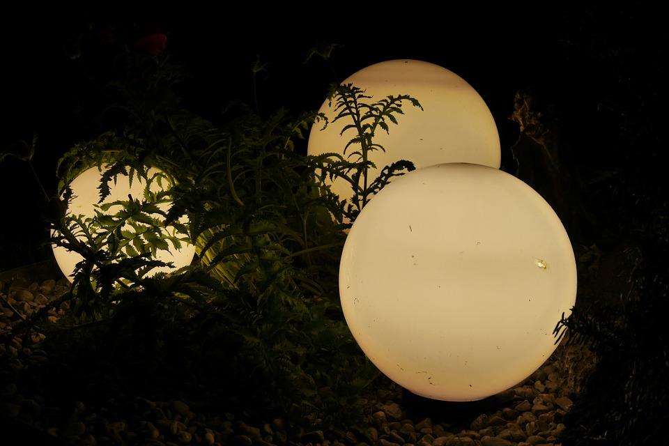 Le Migliori Lampade Solari Da Giardino Potenti Per Un Illuminazione