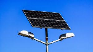 Le migliori lampade solari da giardino potenti per un
