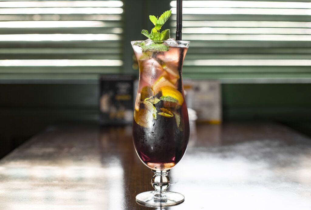 drink frutta freddo 1024x692 - Kenwood JMP800SI: lo slow juicer dal basso costo ma dall'elevata qualità